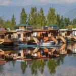 Srinivas Portrays Kashmir Valley On Canvas To Aid Cops