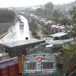 Massive Traffic Snarl On Jammu-Srinagar National Highway Due To Bad Weather